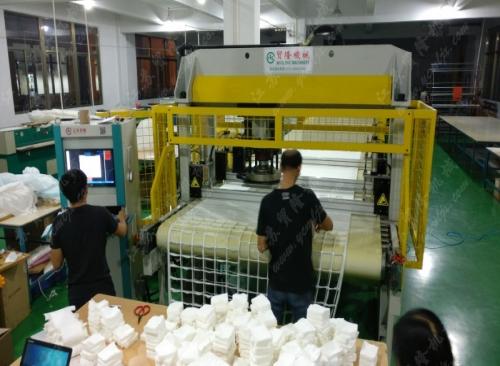 卸妆棉生产现场