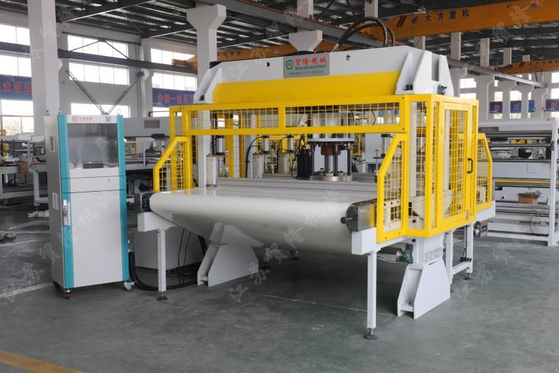 贸隆机械 全自动面膜高速模切机