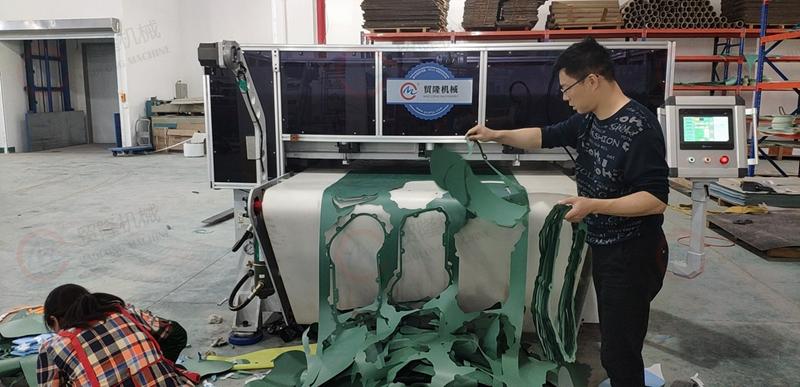 贸隆机械 全自动无石棉垫片裁断机