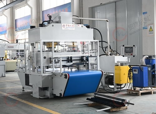 贸隆机械 全自动百洁布裁切生产线