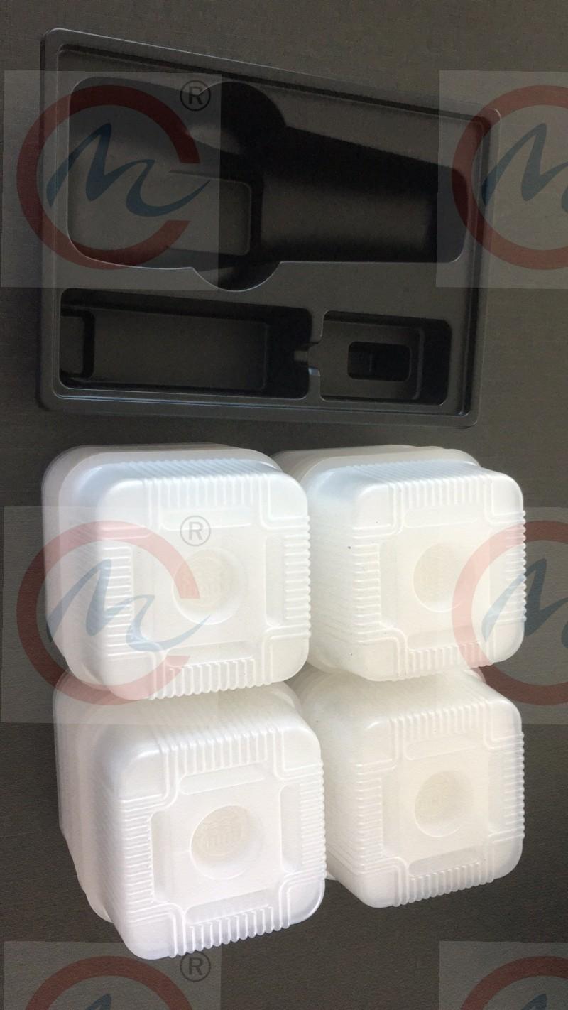 吸塑包装,吸塑裁切,PVC,PET,PS,PT,食品包装,电子产品包装, 透明吸塑盒下料机,自动进料模切机,自动送料裁切机