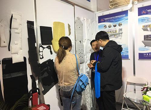 北京汽车展会.jpg
